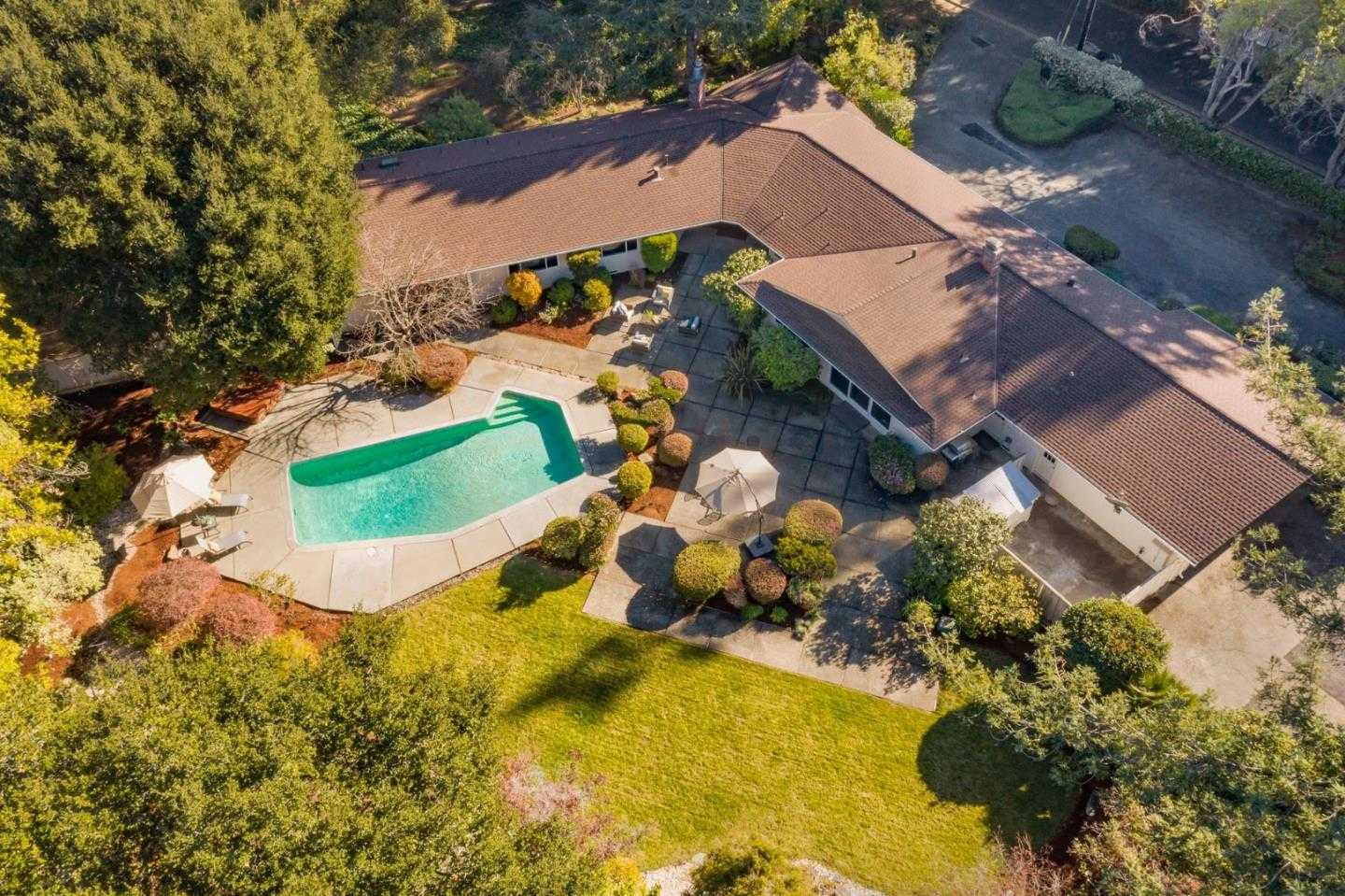 $6,988,000 - 6Br/4Ba -  for Sale in Atherton