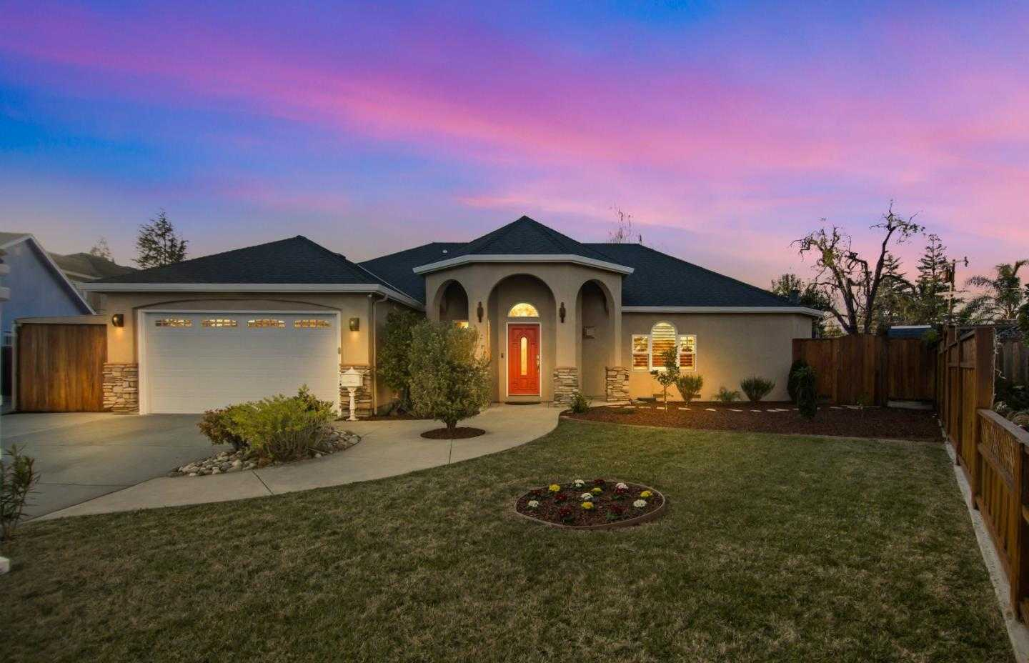 $1,875,000 - 4Br/4Ba -  for Sale in Campbell