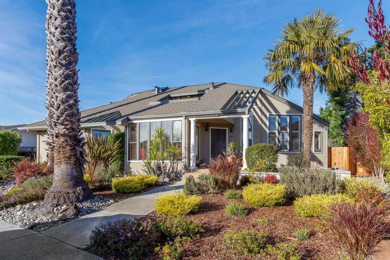 $999,000 - 3Br/2Ba -  for Sale in Santa Cruz