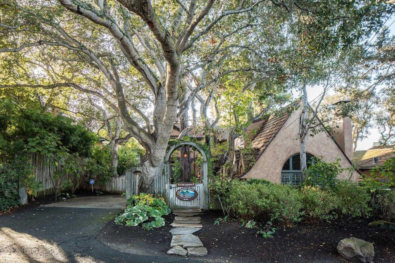 $3,100,000 - 3Br/3Ba -  for Sale in Carmel