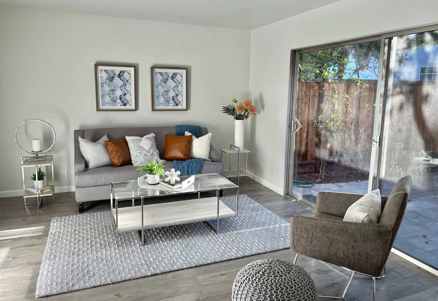 $1,048,000 - 2Br/2Ba -  for Sale in Palo Alto