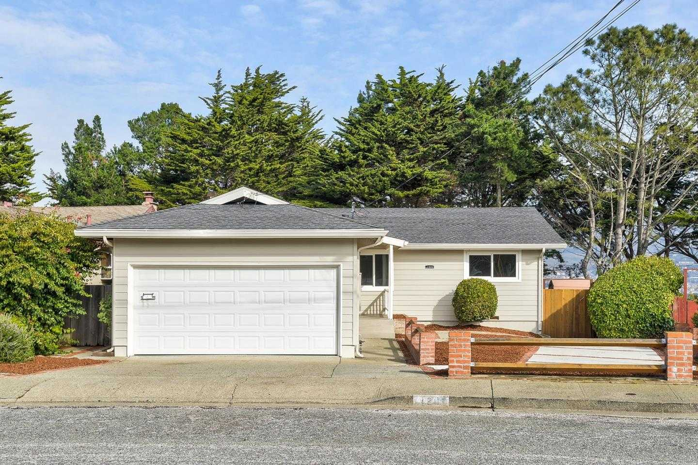 $1,099,000 - 3Br/2Ba -  for Sale in South San Francisco