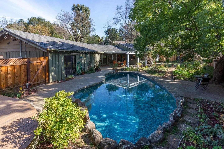 $3,200,000 - 4Br/3Ba -  for Sale in Los Altos