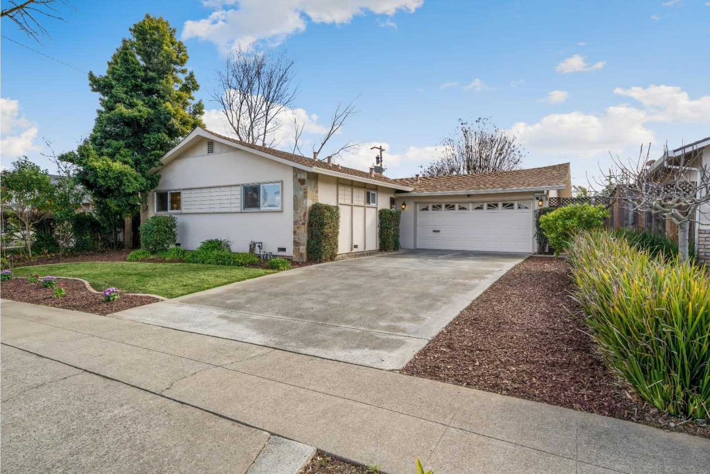 $1,398,000 - 3Br/2Ba -  for Sale in Campbell