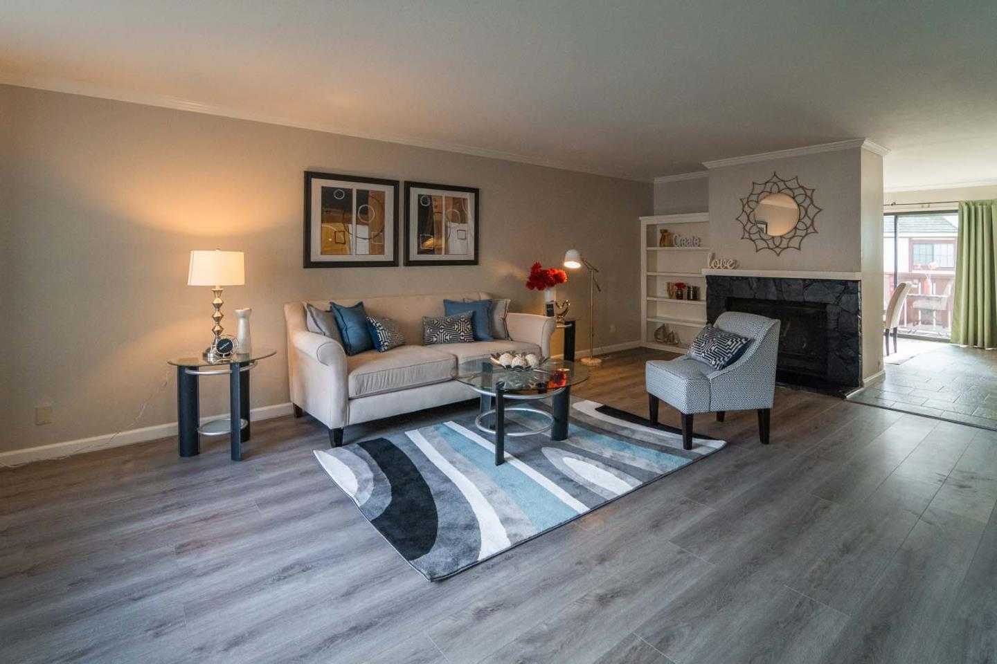 $1,020,000 - 2Br/3Ba -  for Sale in Campbell