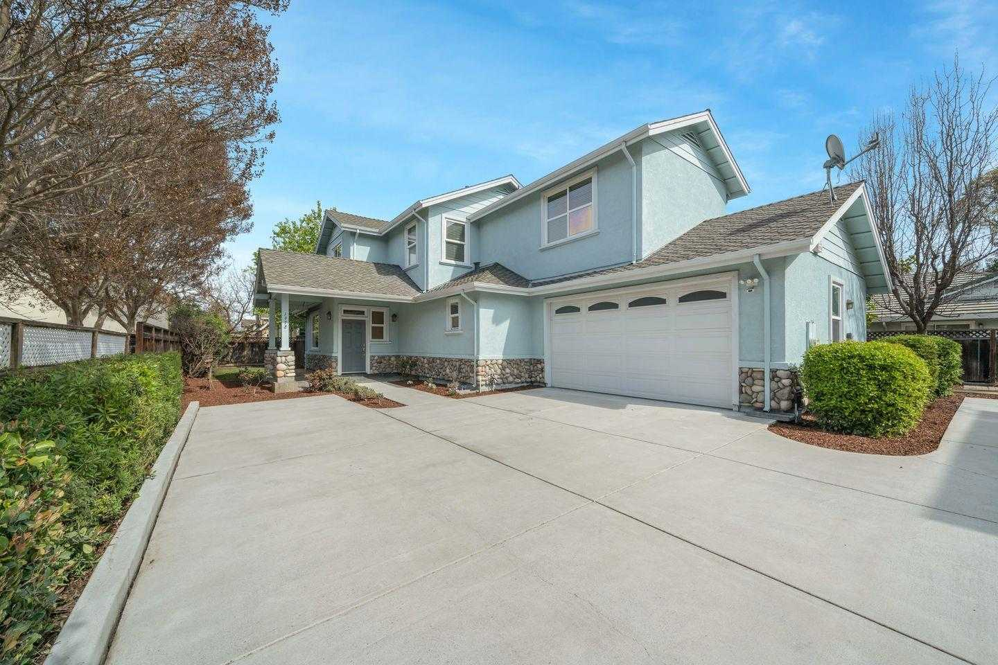 $1,898,000 - 4Br/3Ba -  for Sale in Mountain View