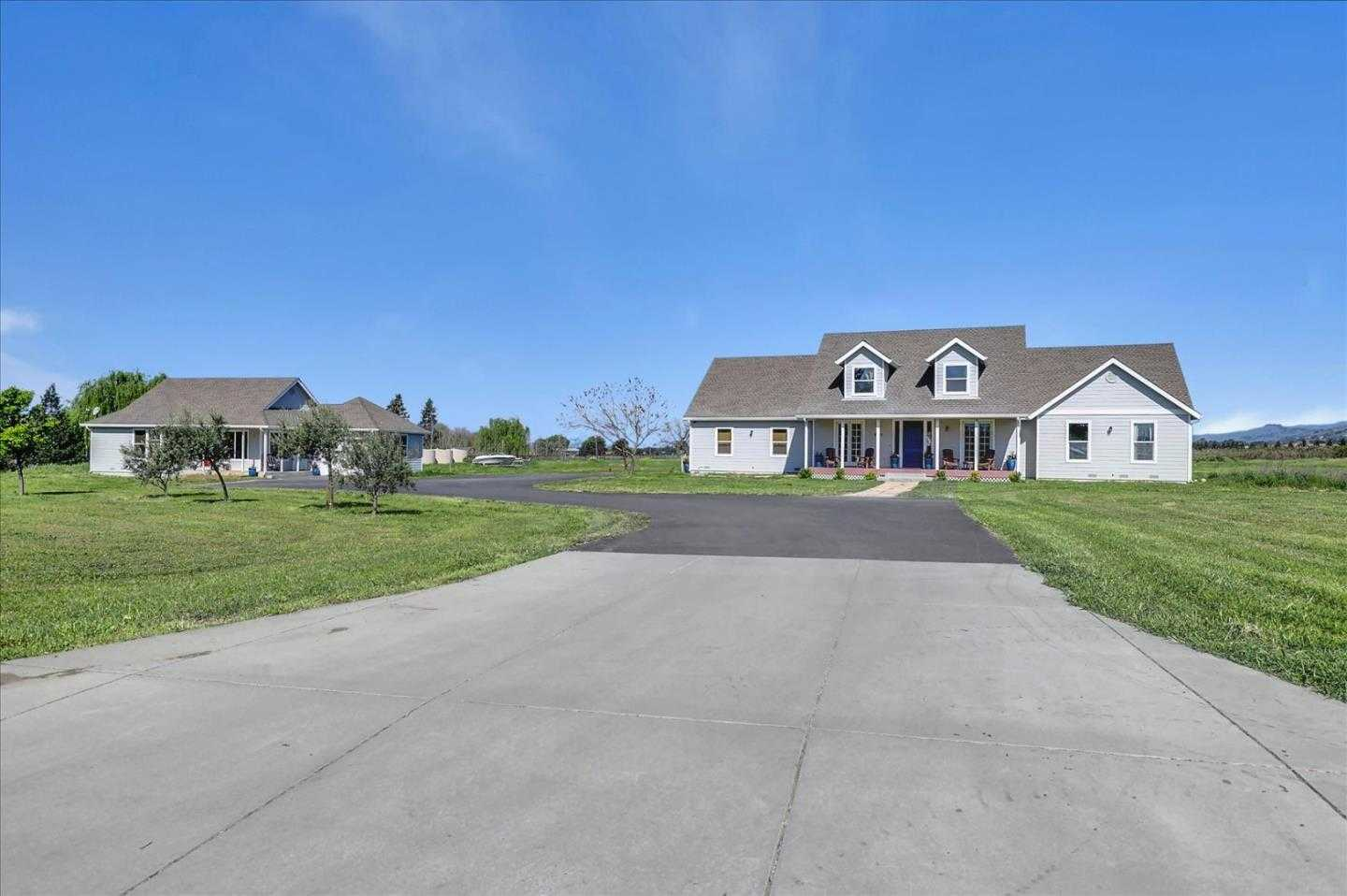 $1,995,000 - 6Br/4Ba -  for Sale in Gilroy