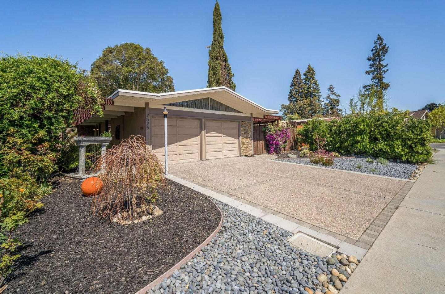 $1,900,000 - 3Br/2Ba -  for Sale in Mountain View