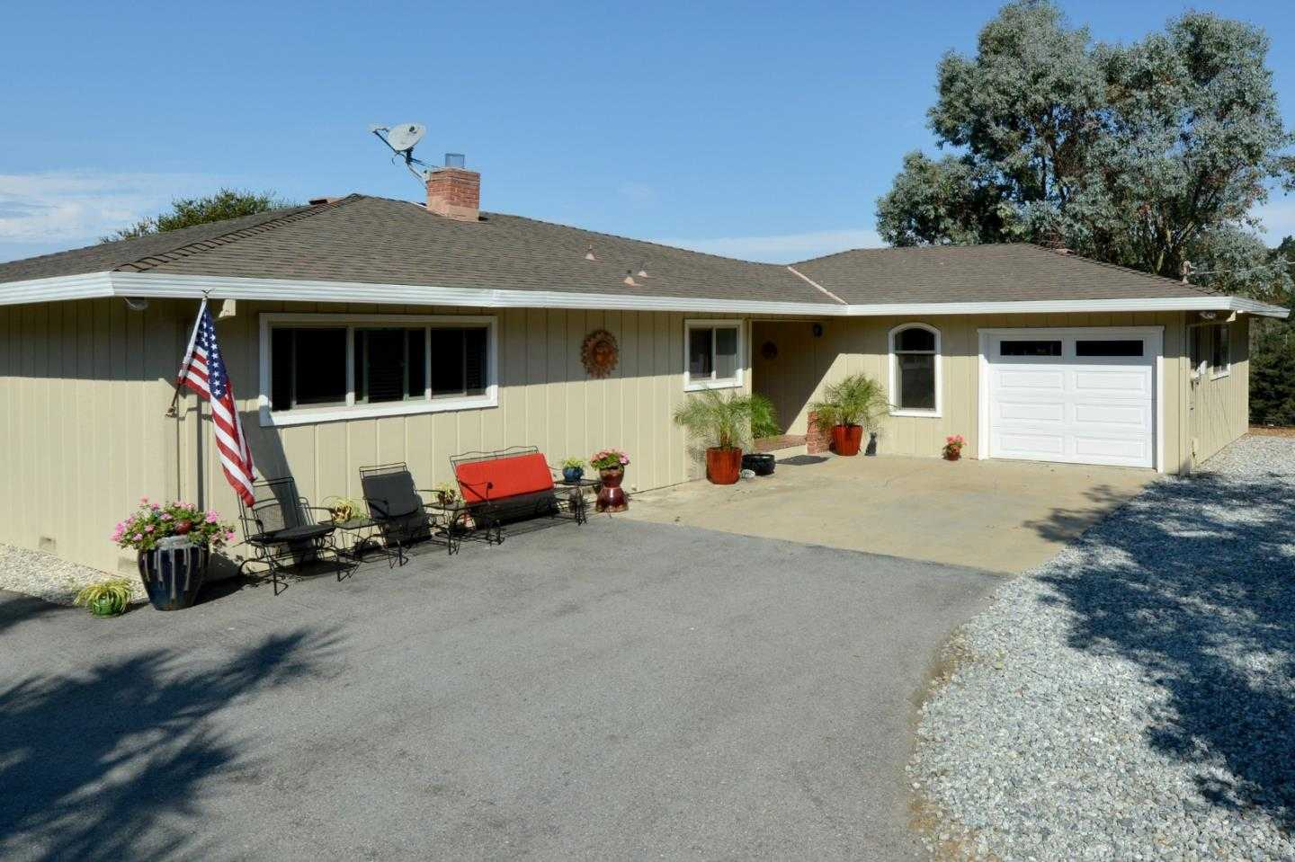$689,000 - 3Br/2Ba -  for Sale in Salinas