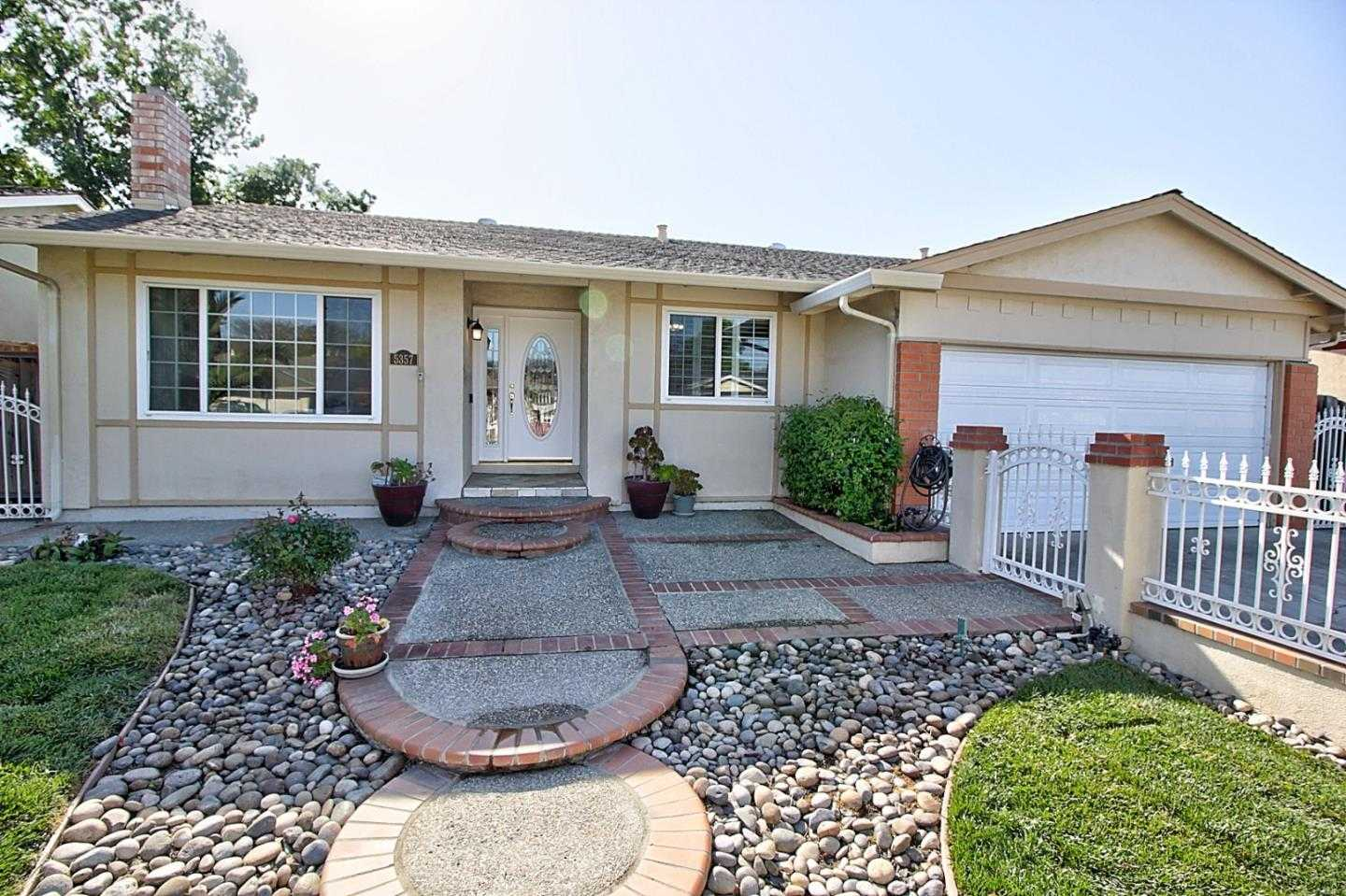 $1,049,900 - 4Br/2Ba -  for Sale in San Jose