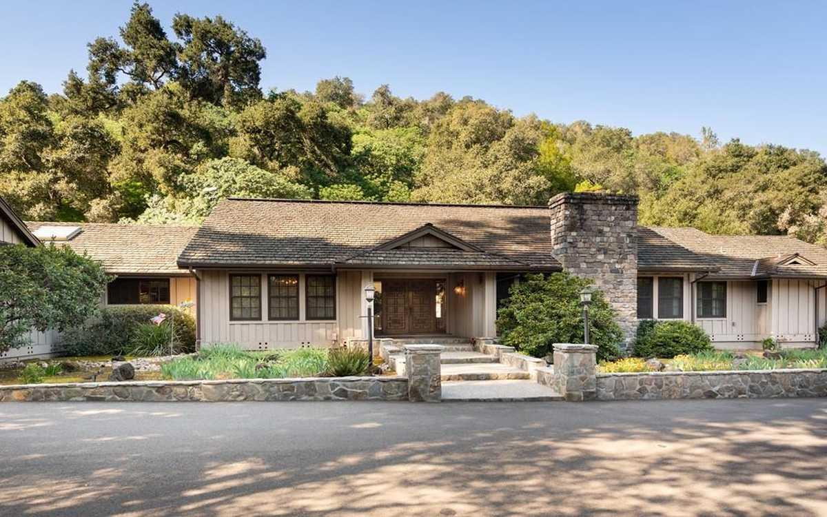 $5,800,000 - 4Br/5Ba -  for Sale in Los Altos Hills