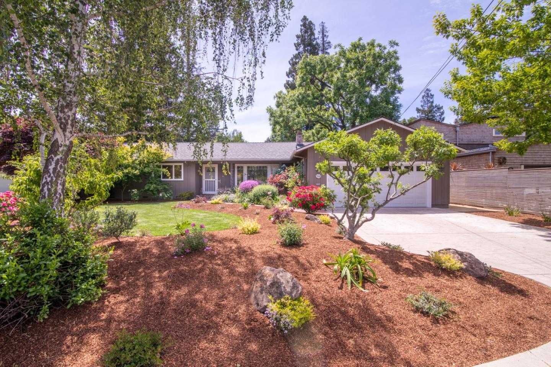 $3,400,000 - 3Br/2Ba -  for Sale in Palo Alto