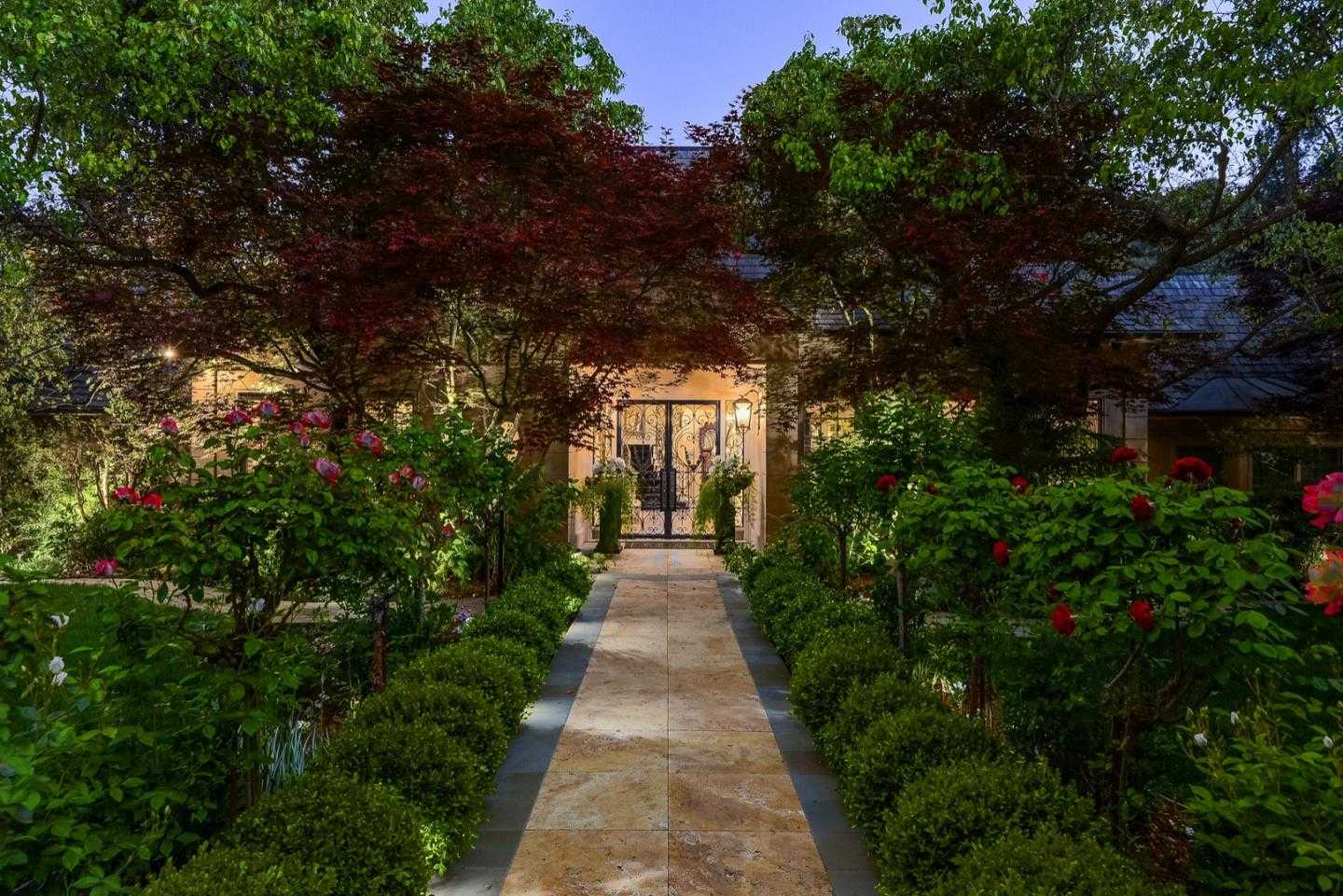 $8,495,000 - 6Br/8Ba -  for Sale in Los Altos Hills