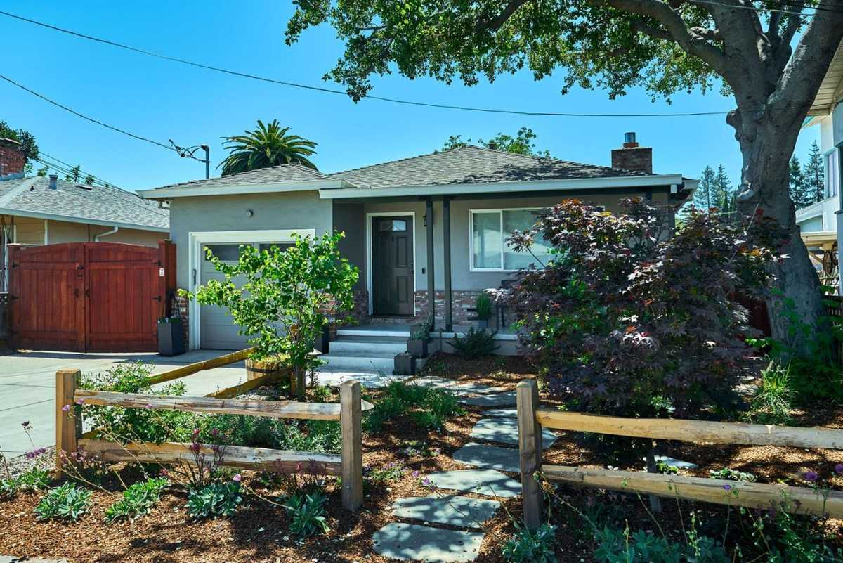 $1,298,000 - 2Br/1Ba -  for Sale in Redwood City