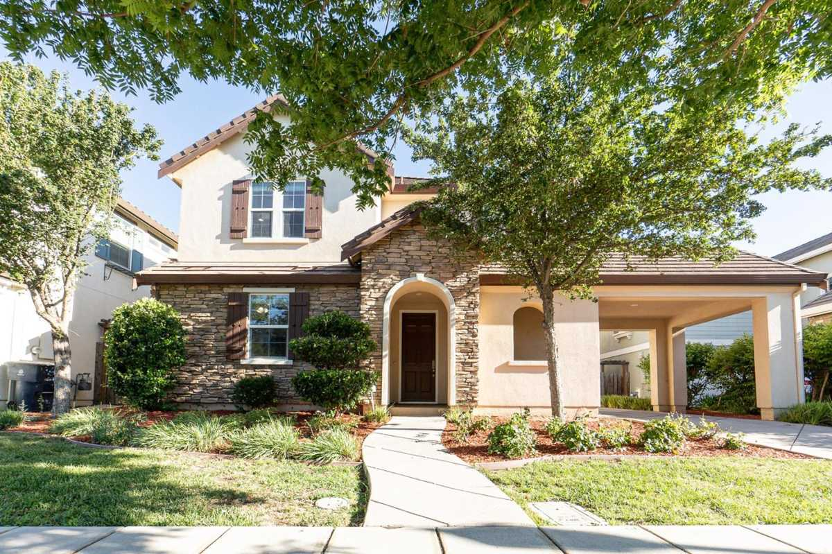 $998,888 - 4Br/3Ba -  for Sale in Mountain House