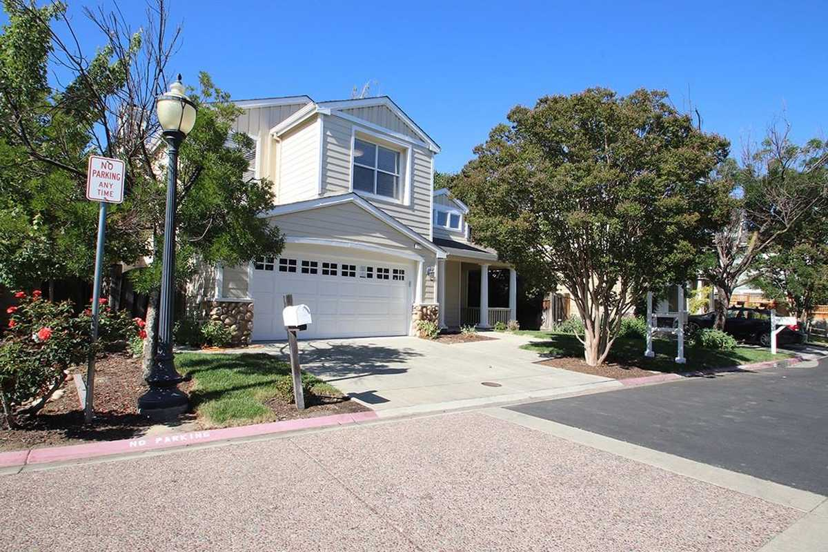 $1,748,000 - 4Br/3Ba -  for Sale in Campbell