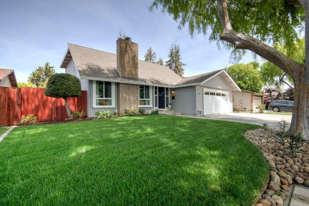 Photo of  1095 Clematis Dr