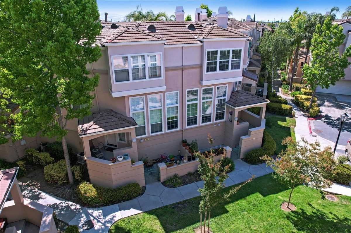 $1,048,000 - 3Br/3Ba -  for Sale in Milpitas