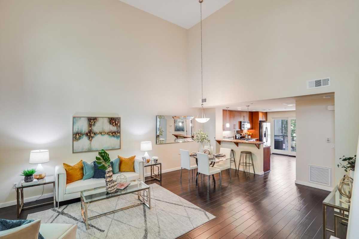 $1,828,000 - 3Br/3Ba -  for Sale in Palo Alto