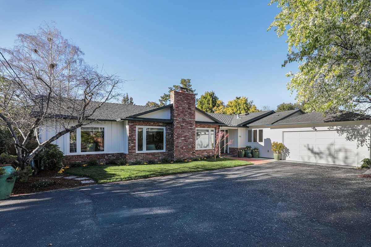 $4,295,000 - 5Br/3Ba -  for Sale in Palo Alto