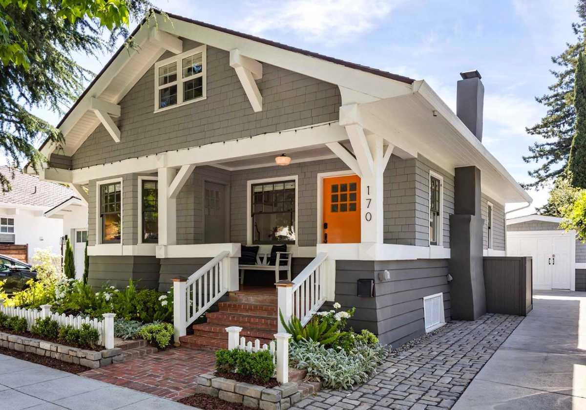 $2,988,000 - 4Br/6Ba -  for Sale in Palo Alto