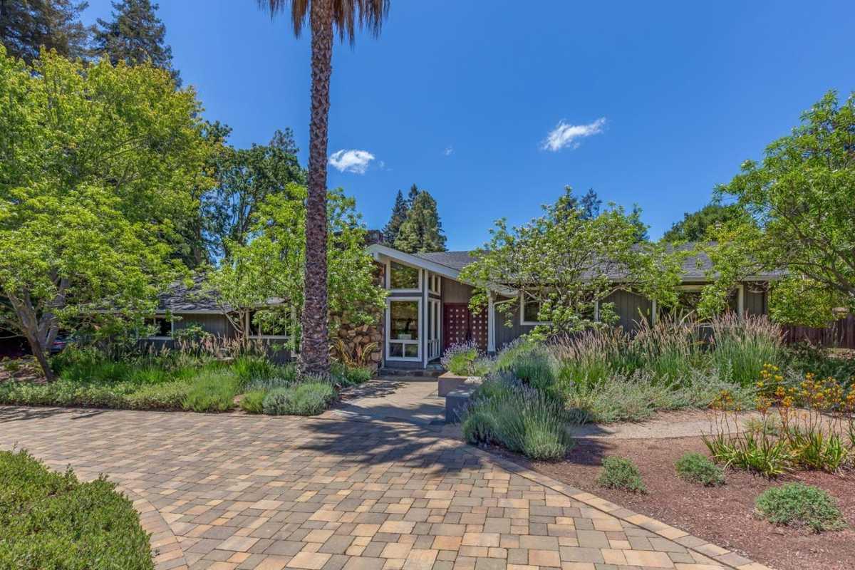 $4,495,000 - 5Br/4Ba -  for Sale in Los Altos Hills