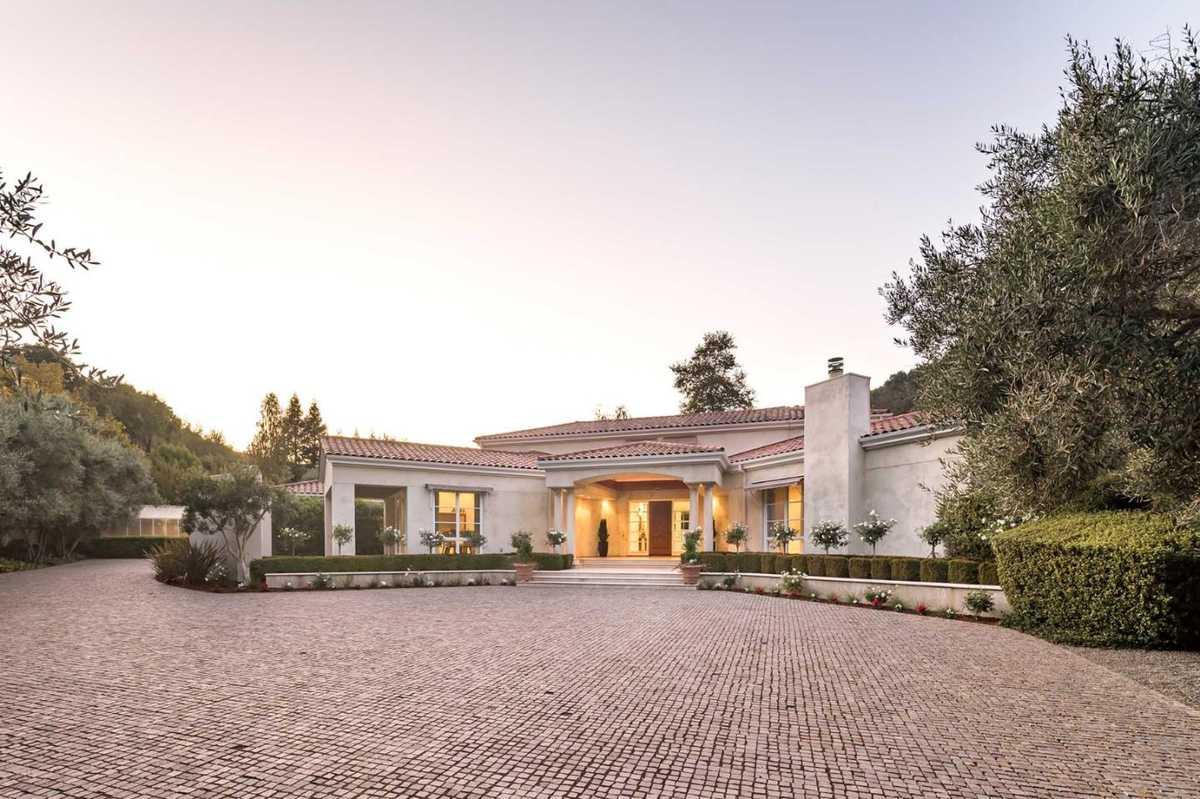 $6,488,000 - 5Br/8Ba -  for Sale in Los Altos Hills