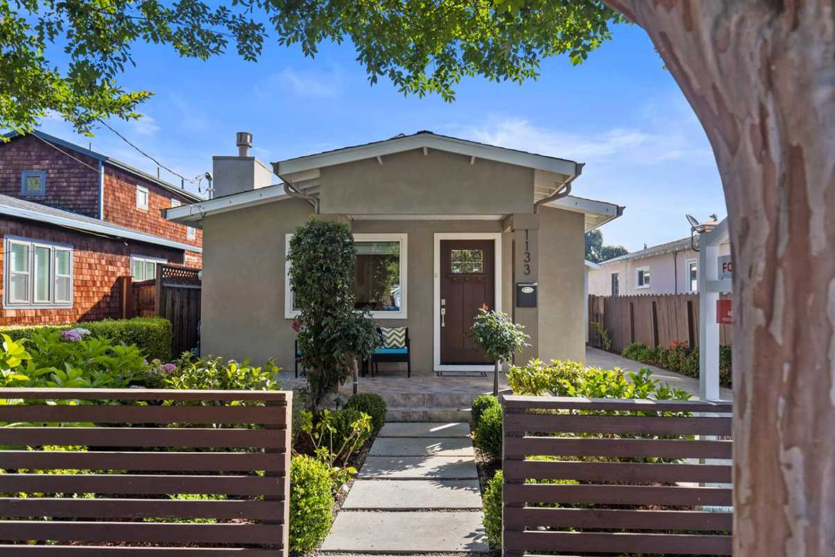 $1,498,000 - 3Br/2Ba -  for Sale in Redwood City