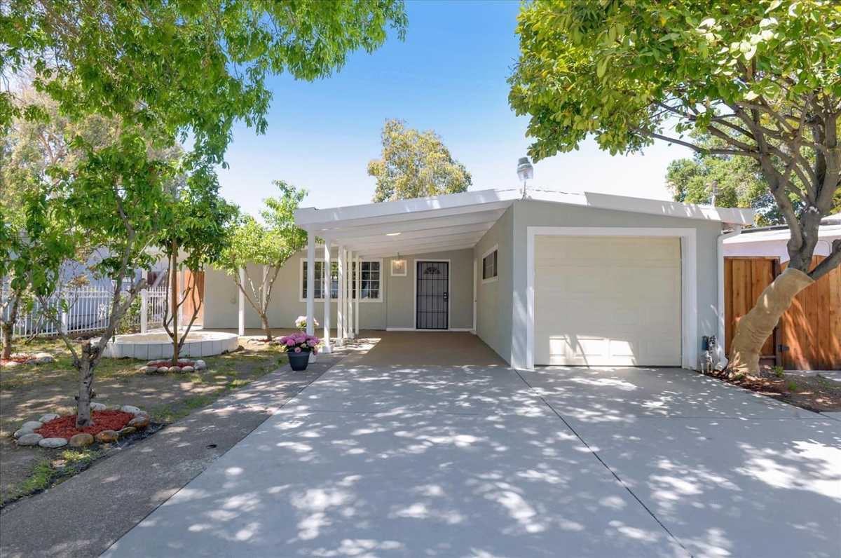 $995,000 - 4Br/2Ba -  for Sale in East Palo Alto