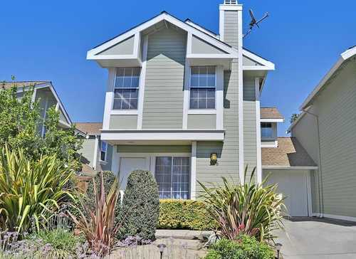 $795,000 - 2Br/3Ba -  for Sale in San Jose