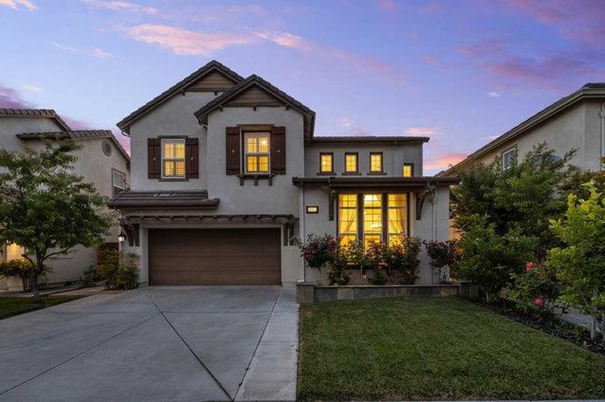 $1,950,000 - 5Br/4Ba -  for Sale in Union City
