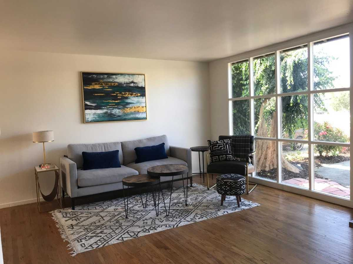 $1,050,000 - 4Br/2Ba -  for Sale in East Palo Alto