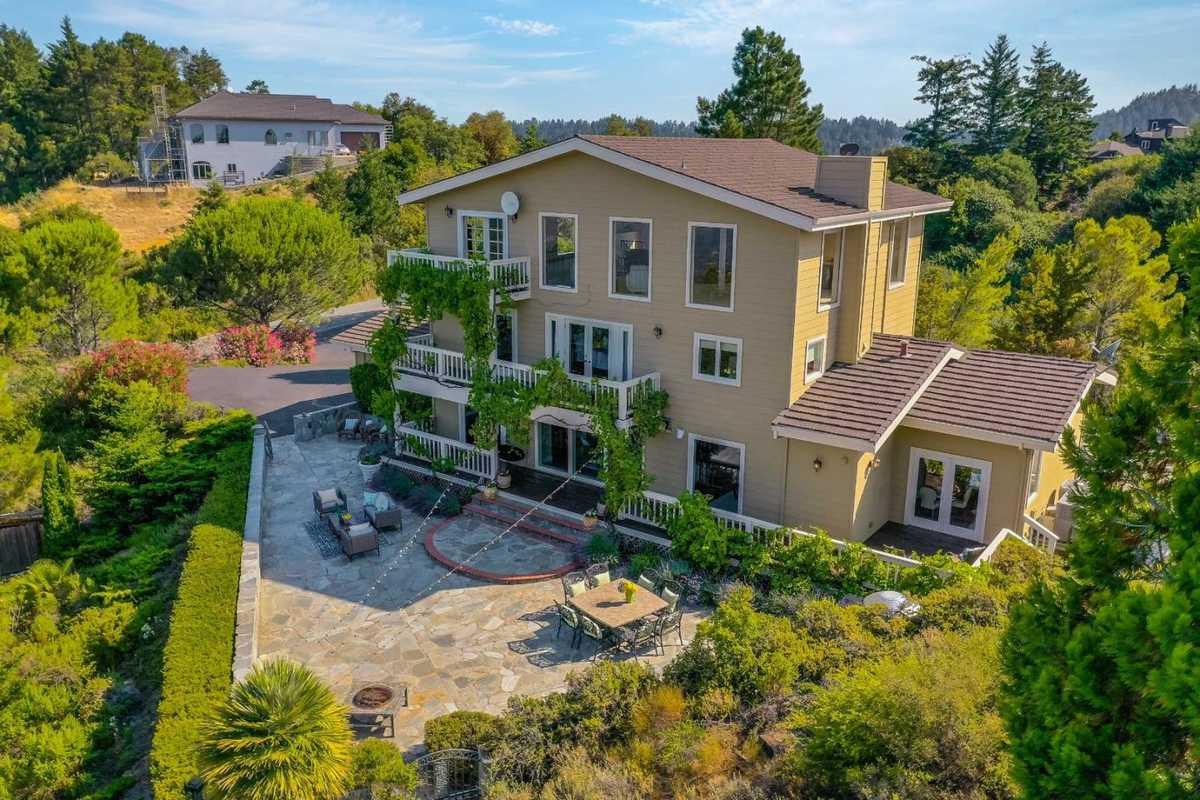 $2,798,000 - 4Br/3Ba -  for Sale in Saratoga