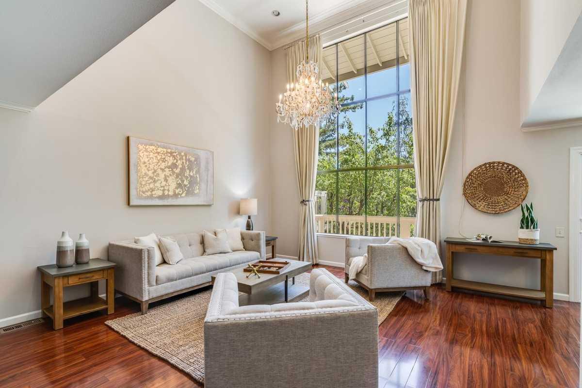 $1,989,000 - 3Br/3Ba -  for Sale in Saratoga