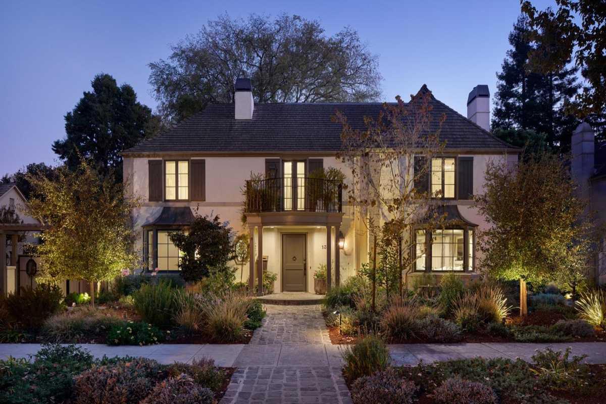 $8,500,000 - 4Br/4Ba -  for Sale in Palo Alto