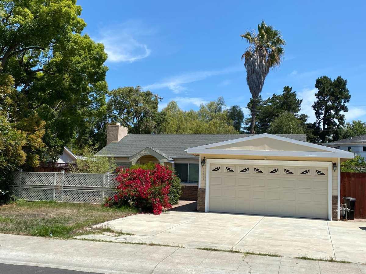 $3,100,000 - 3Br/1Ba -  for Sale in Palo Alto
