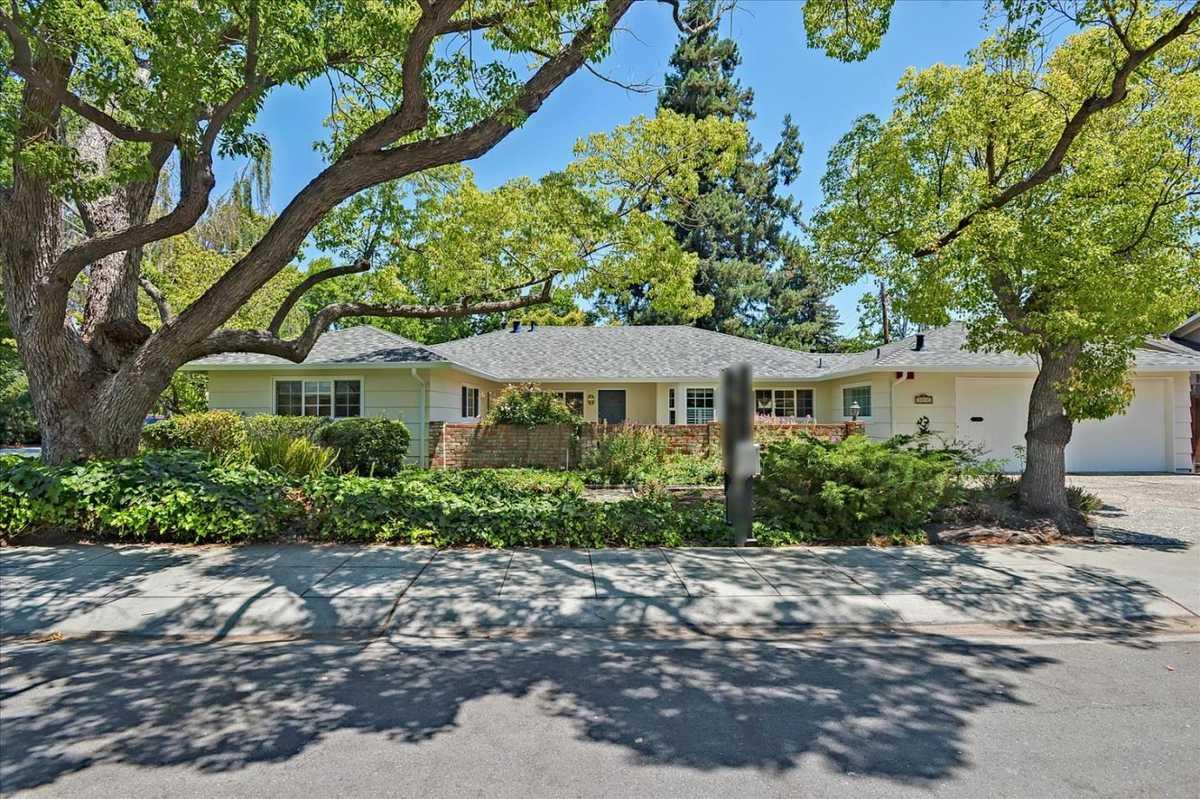 $3,498,000 - 4Br/3Ba -  for Sale in Palo Alto