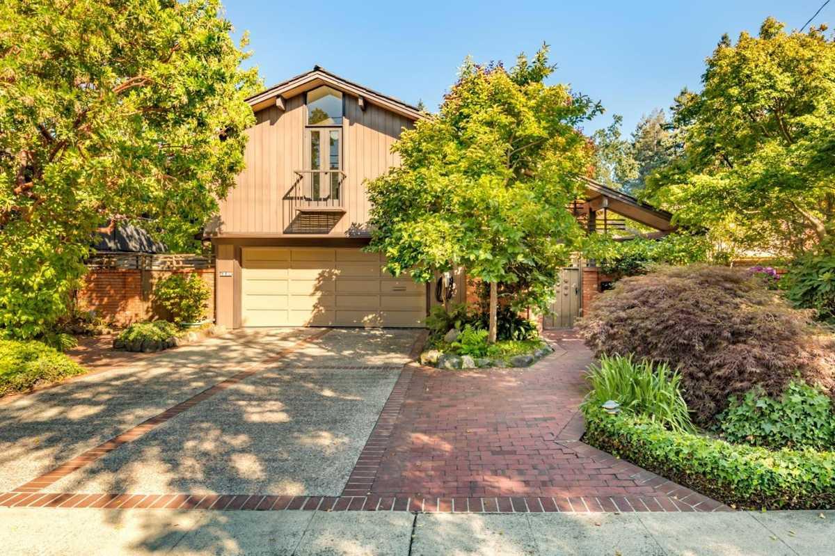 $3,988,000 - 3Br/3Ba -  for Sale in Palo Alto