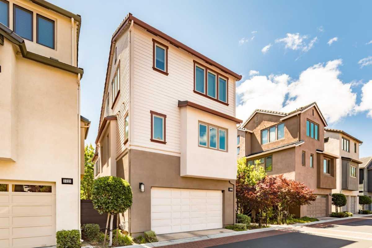 $2,288,000 - 4Br/4Ba -  for Sale in Palo Alto