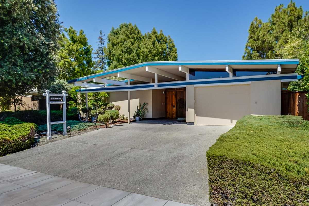 $2,888,000 - 4Br/3Ba -  for Sale in Palo Alto