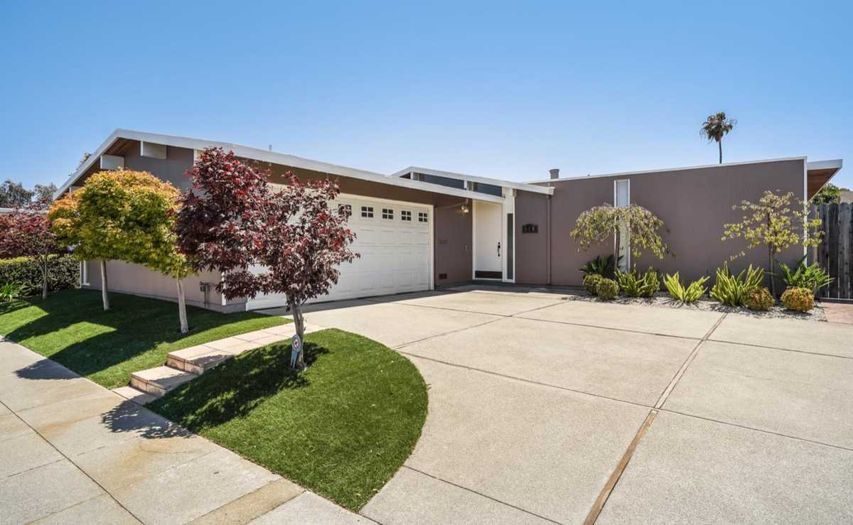 $1,674,888 - 4Br/2Ba -  for Sale in Foster City