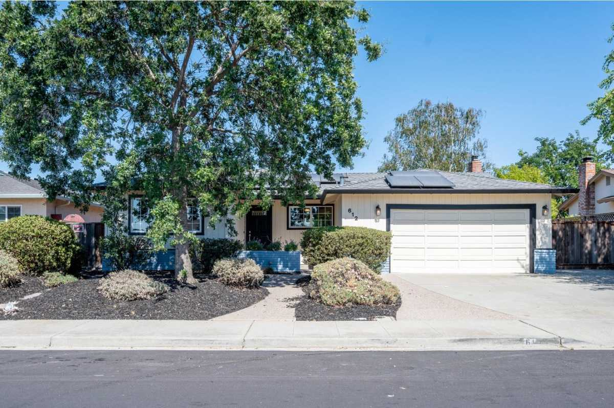 $949,000 - 4Br/2Ba -  for Sale in Livermore