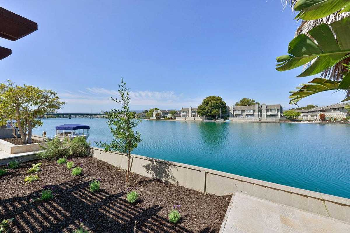 $2,288,888 - 3Br/2Ba -  for Sale in Foster City