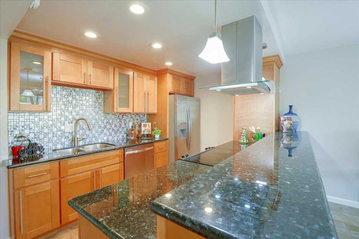 $1,175,000 - 2Br/3Ba -  for Sale in Sunnyvale