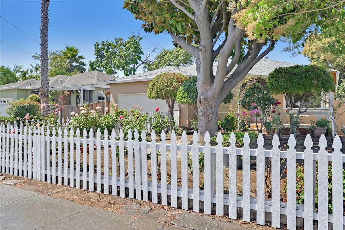 $950,000 - 3Br/1Ba -  for Sale in East Palo Alto