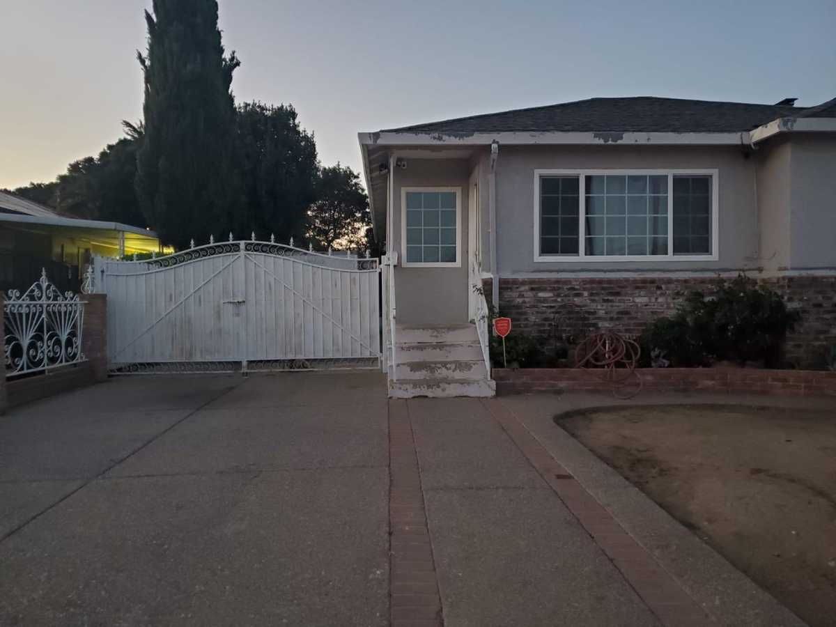$980,000 - 3Br/2Ba -  for Sale in Union City
