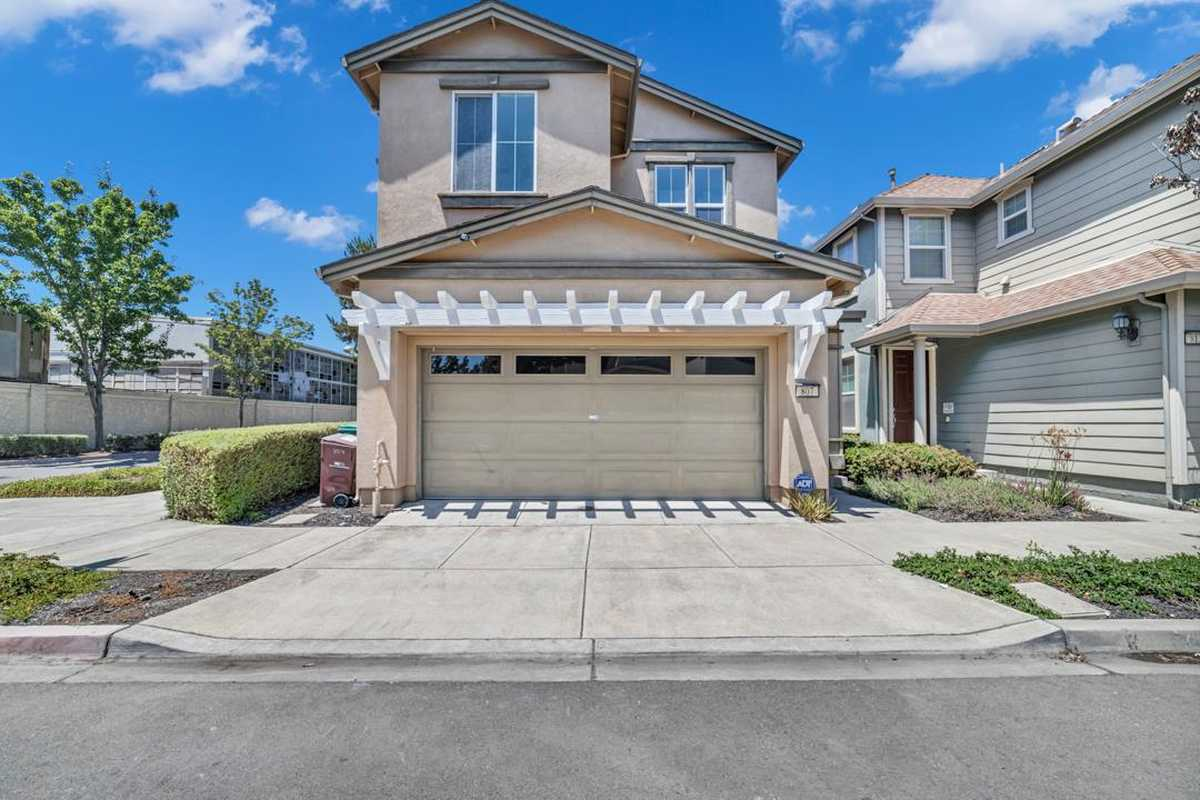 $779,000 - 3Br/3Ba -  for Sale in Oakland