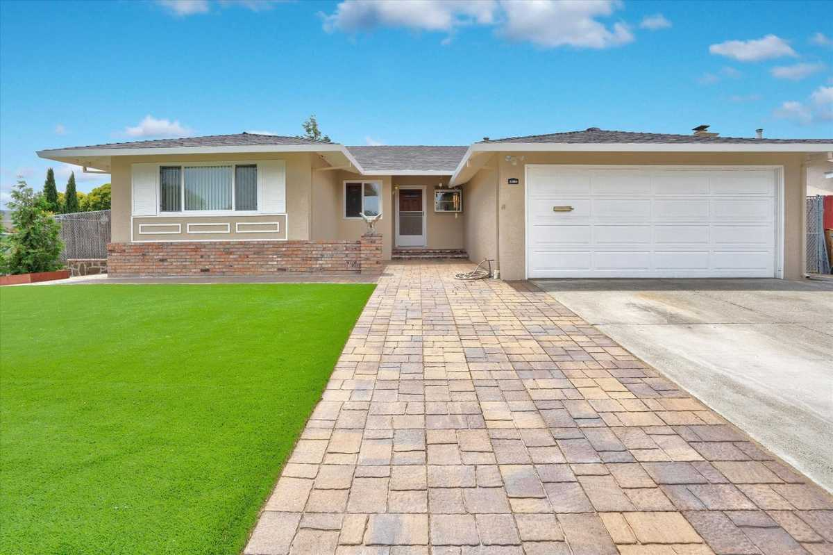 $1,228,000 - 4Br/2Ba -  for Sale in Union City