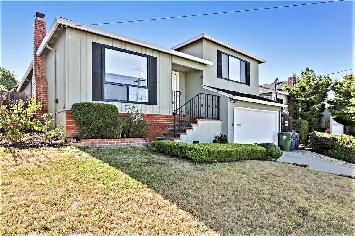 $1,150,000 - 4Br/2Ba -  for Sale in Castro Valley