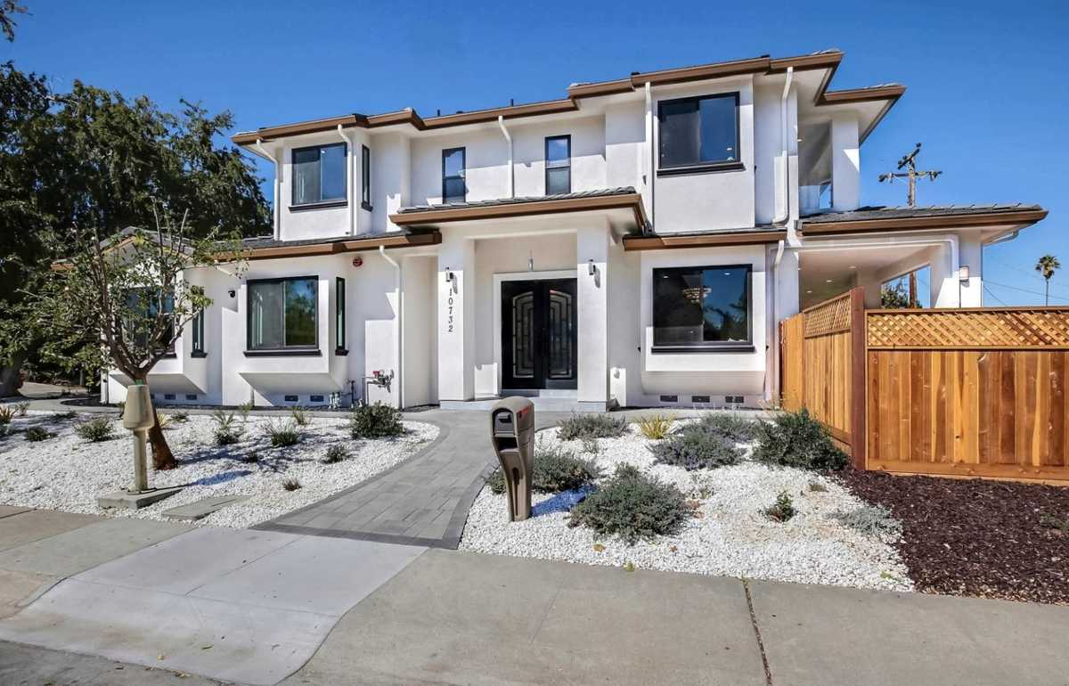 $3,488,000 - 6Br/7Ba -  for Sale in Cupertino